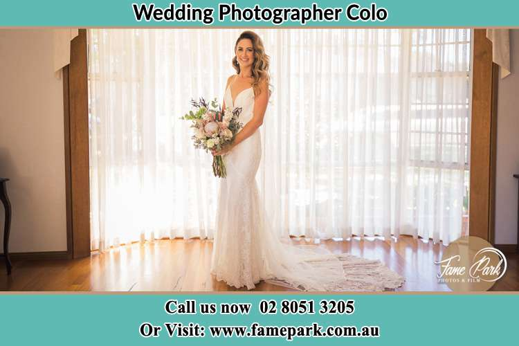 Photo of the Bride holding flower bouquet Colo NSW 2756