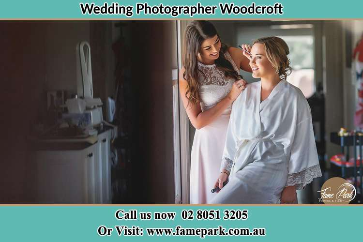Photo of the Bride having make up Woodcroft NSW 2767